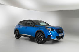 Peugeot e-2008 reveal studio - hero front