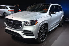 Mercedes-Benz GLS 2019 New York motor show reveal - lead