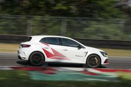 Renault Mégane RS Trophy-R cornering - side