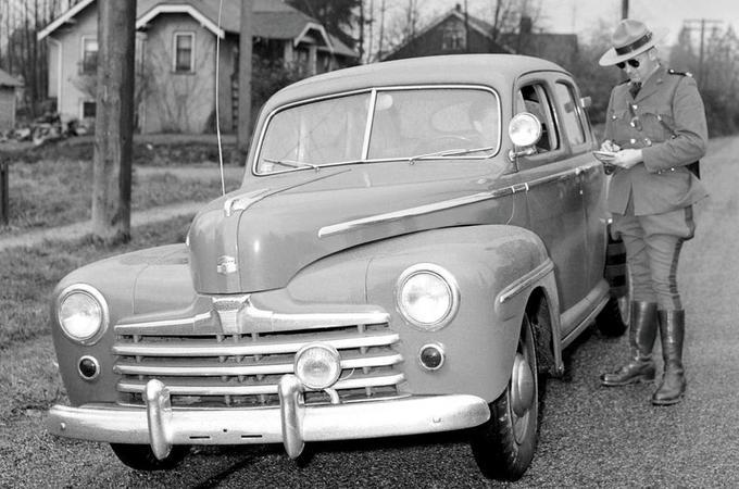 Ford Beetleback - static front