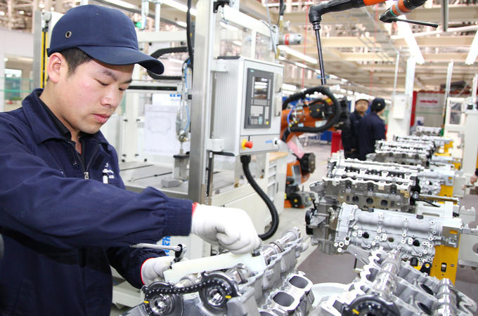 Daimler engine factory in China