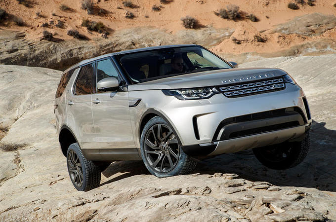 2017 Land Rover Discovery off-roading