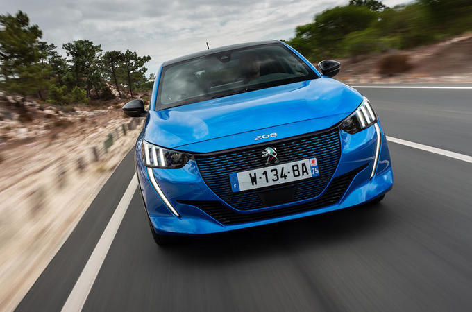 Peugeot e-208 2019 - tracking front