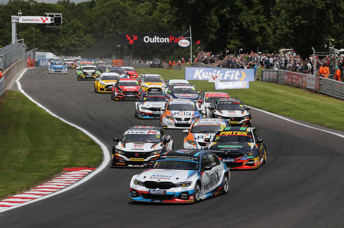 Colin Turkington leading BTCC 2020