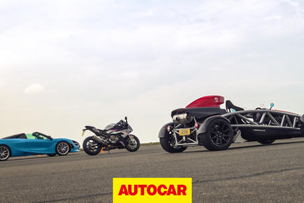 McLaren 720S vs Ariel Atom 4 vs BMW superbike drag race