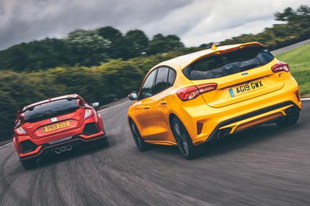 Ford Focus ST vs Honda Civic Type R video thumbnail