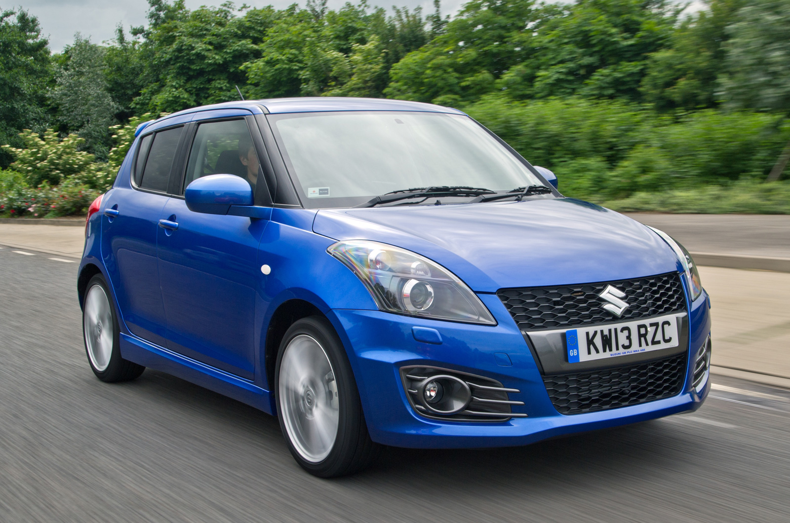 facelifted suzuki swift 4x4 revealed. Black Bedroom Furniture Sets. Home Design Ideas