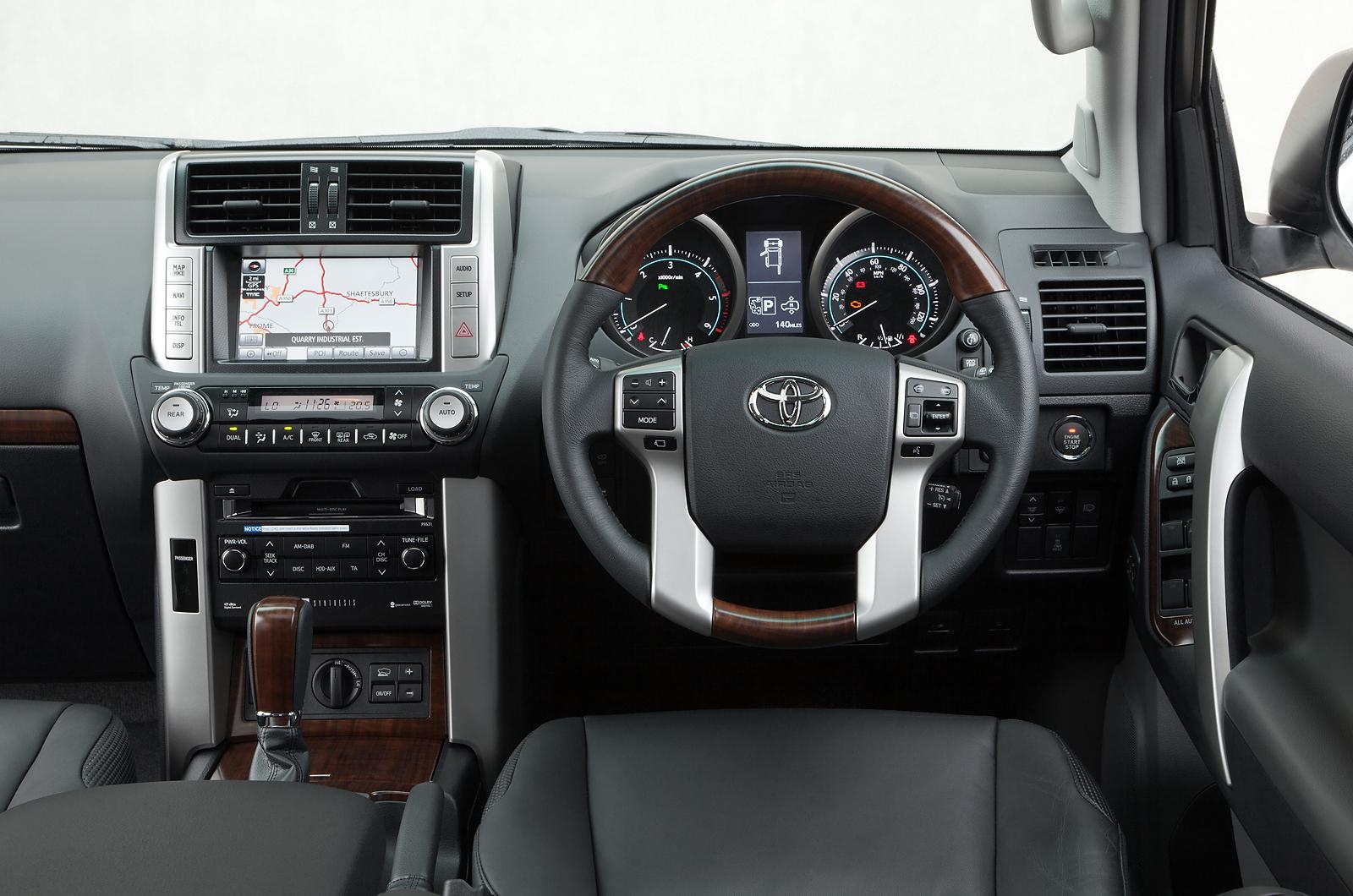 Toyota Land Cruiser V8 2008 2011 Interior Autocar
