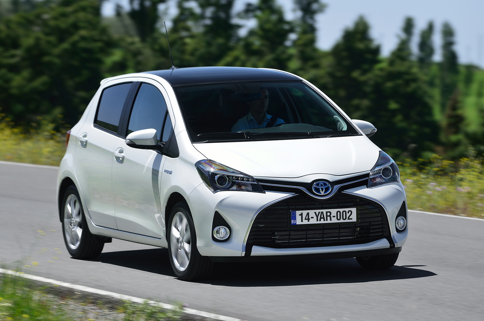 toyota yaris review autocar. Black Bedroom Furniture Sets. Home Design Ideas