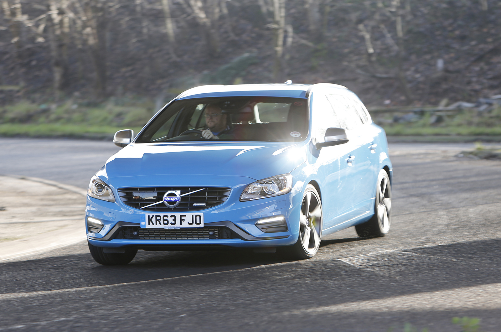 volvo v60 d4 r design nav first drive. Black Bedroom Furniture Sets. Home Design Ideas