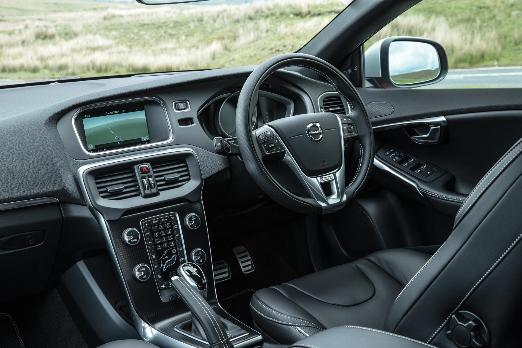 Volvo V40 2012 2019 Interior Autocar