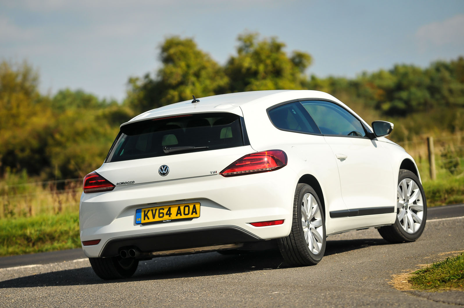 2014 volkswagen scirocco 1 4 tsi uk first drive review. Black Bedroom Furniture Sets. Home Design Ideas
